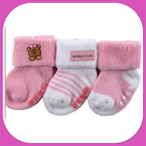 🌸New🌸 6 - 12 Months🌸3 Pack Non-Skid Socks🌸